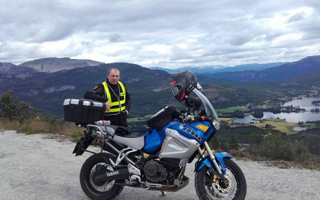Stały rabat dla motocyklistów 10% na żaluzje, rolety i osłony okienne.